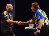 Raymond van Barneveld besiegt Corey Cadby
