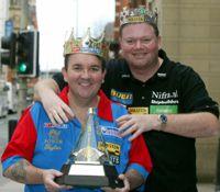 Raymond van Barneveld und Phil Taylor - die Krönung des Dartsports
