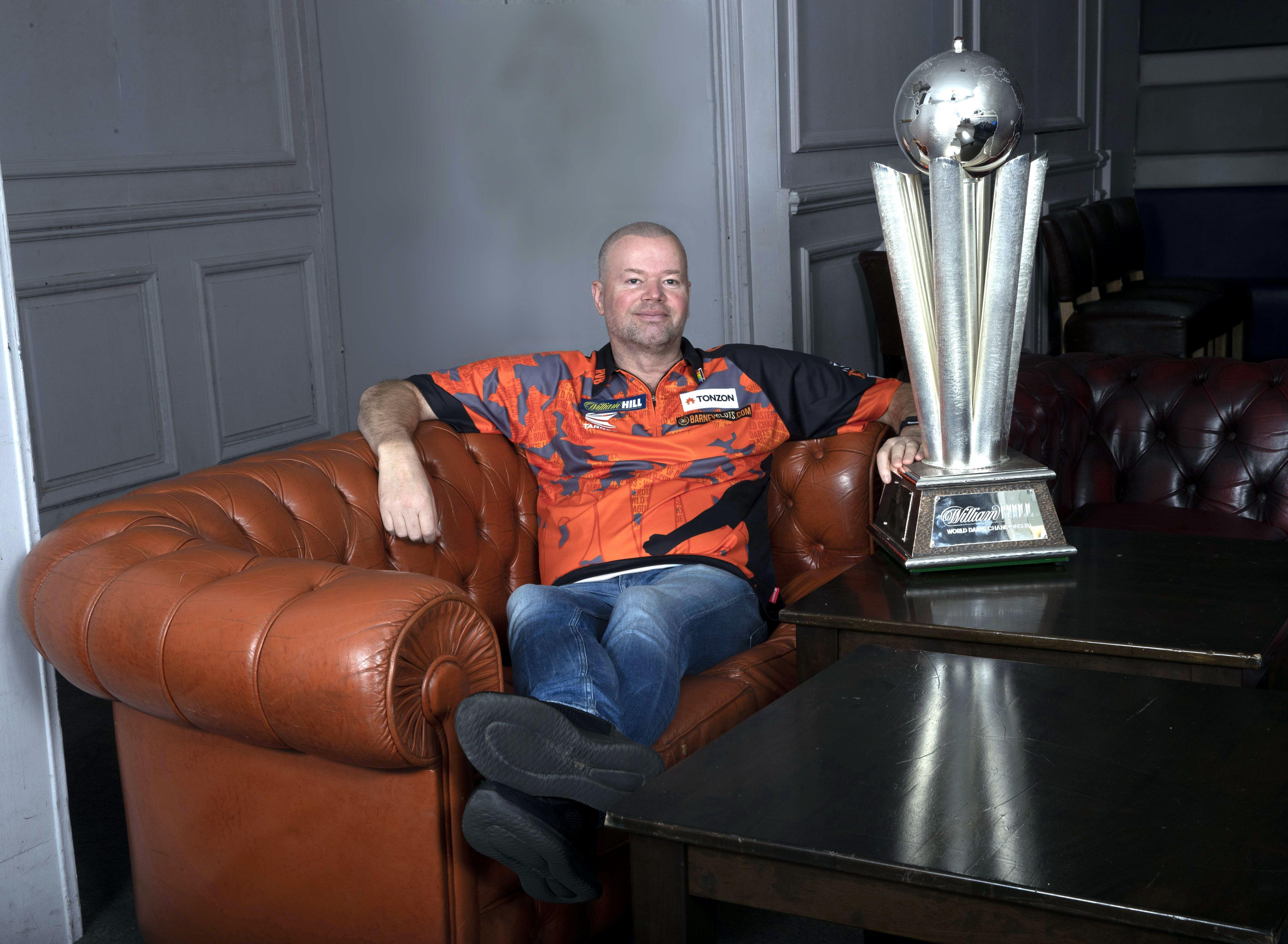 Raymond van Barneveld wünscht sich den WM-Pokal zum Abschied