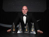 Rob Cross erhält beim PDC Awards Dinner vier Auszeichnungen