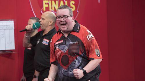 Stephen Bunting jubelt über seinen Sieg gegen Peter Wright
