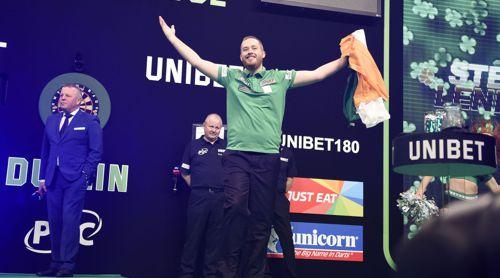 Steve Lennon spielt für Irland Darts