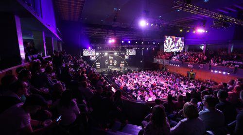 Die Wolverhampton Civic Hall ist zum Grand Slam of Darts völlig ausverkauft