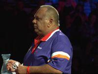 Kim Lewis konnte in seiner Karriere bereits jedes australische Amateur Turnier gewinnen, holte gegen den amtierenden Weltmeister jedoch kein Leg