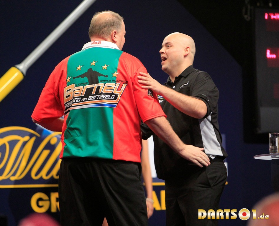 Christian Kist und Raymond van Barneveld beim Grand Slam of Darts